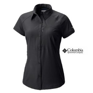 NWOT Columbia Short Sleeve Fitted Shirt, Small